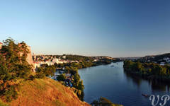 Vltava to the south